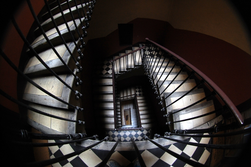 Escaleras estilo Tim Burton