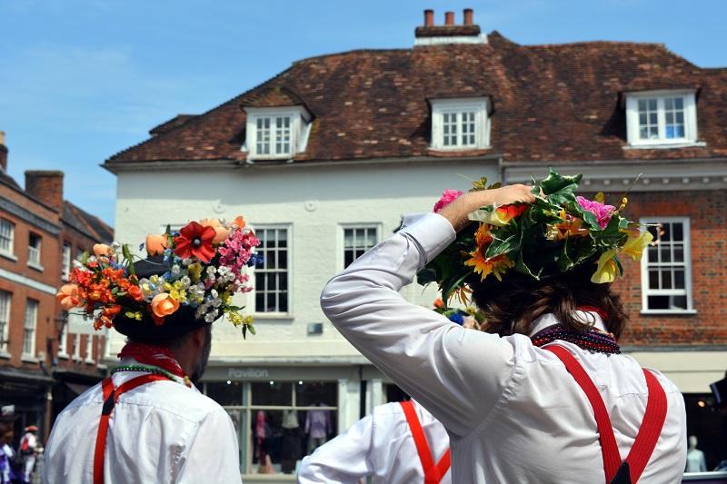Sombreros con toque floral