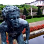 Estatua en Compton Acres